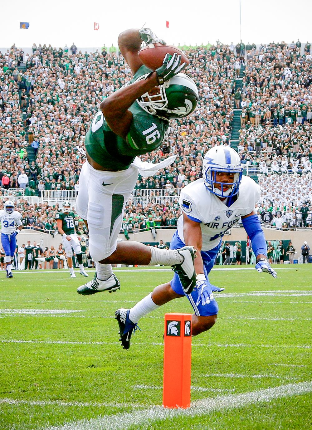 College football best photos from week 3 michigan state
