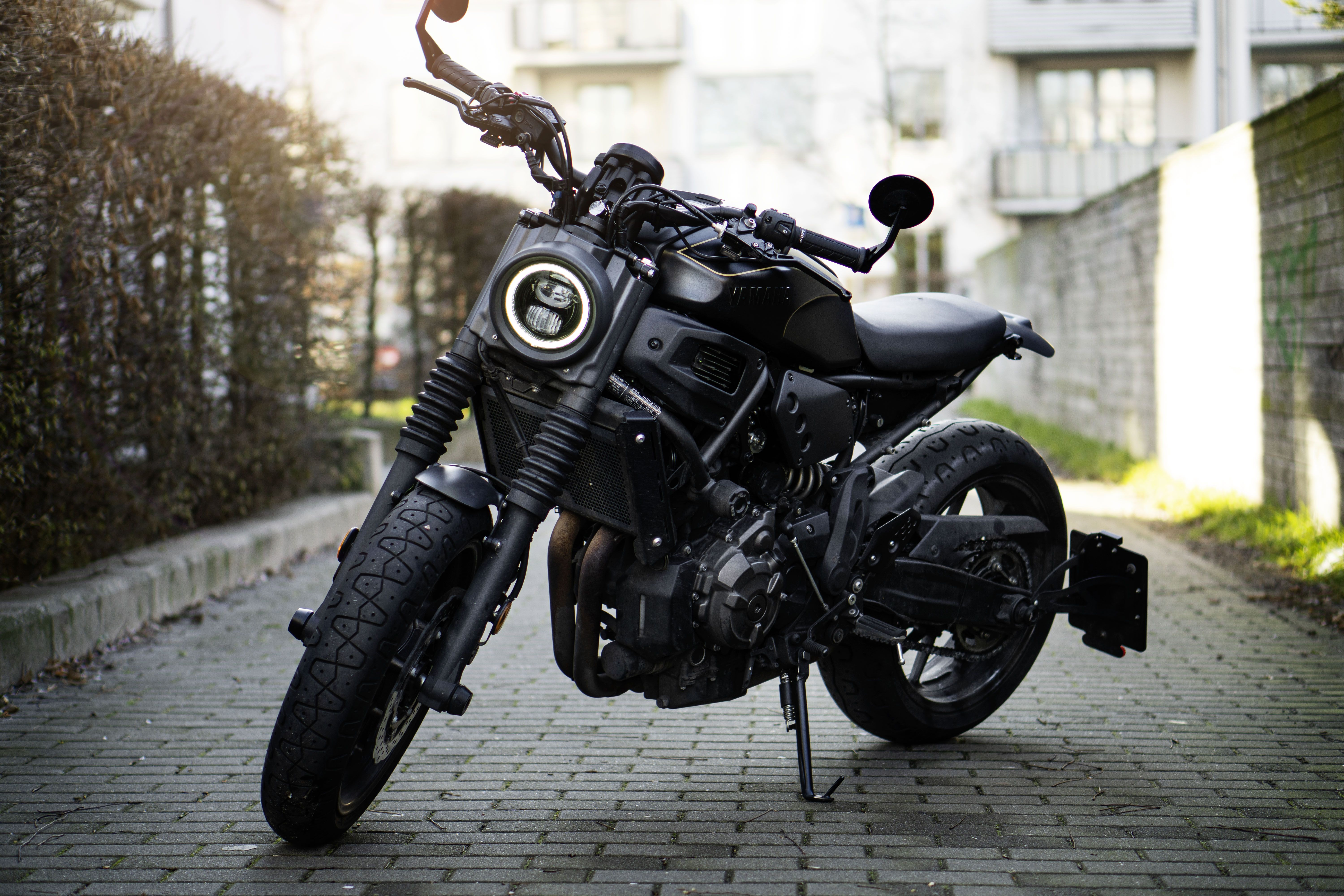 Rate this one from 1 to 10 : Yamaha XSR 700