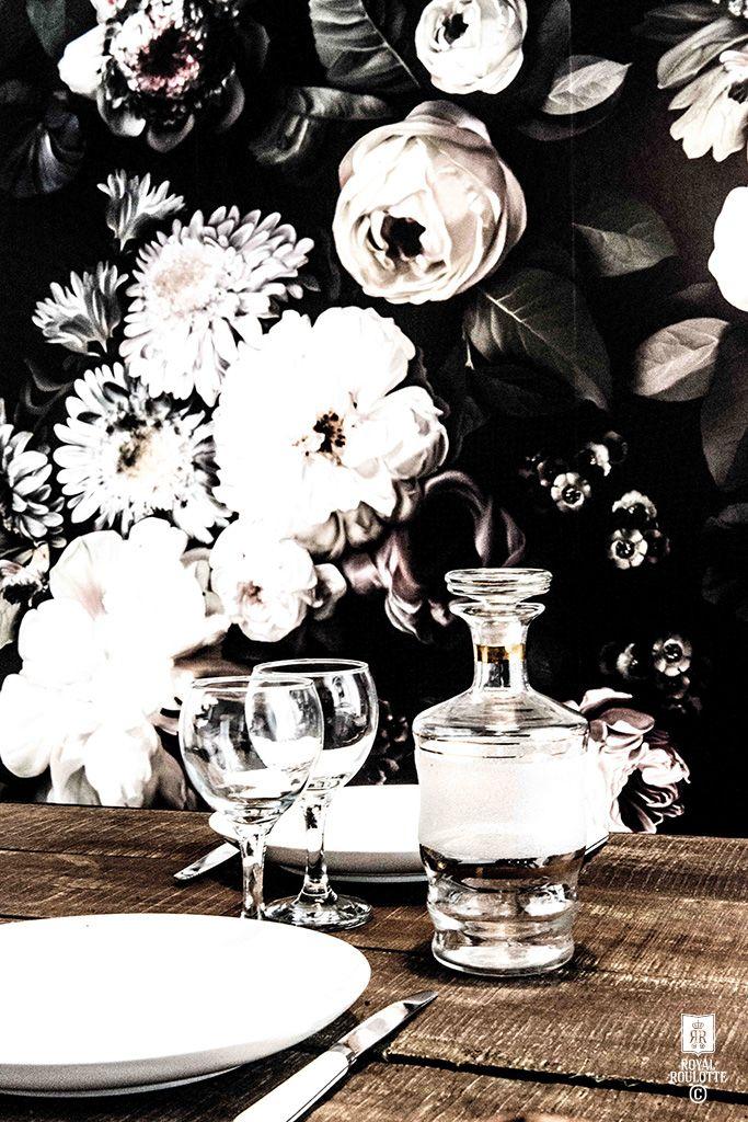 """Les papiers-peints """"dark floral"""" par Ellie Cashman"""