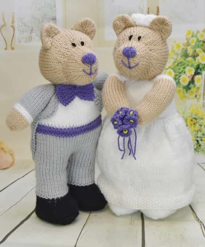 Knitting pattern instructions to knit this cute bear bride and groom ...