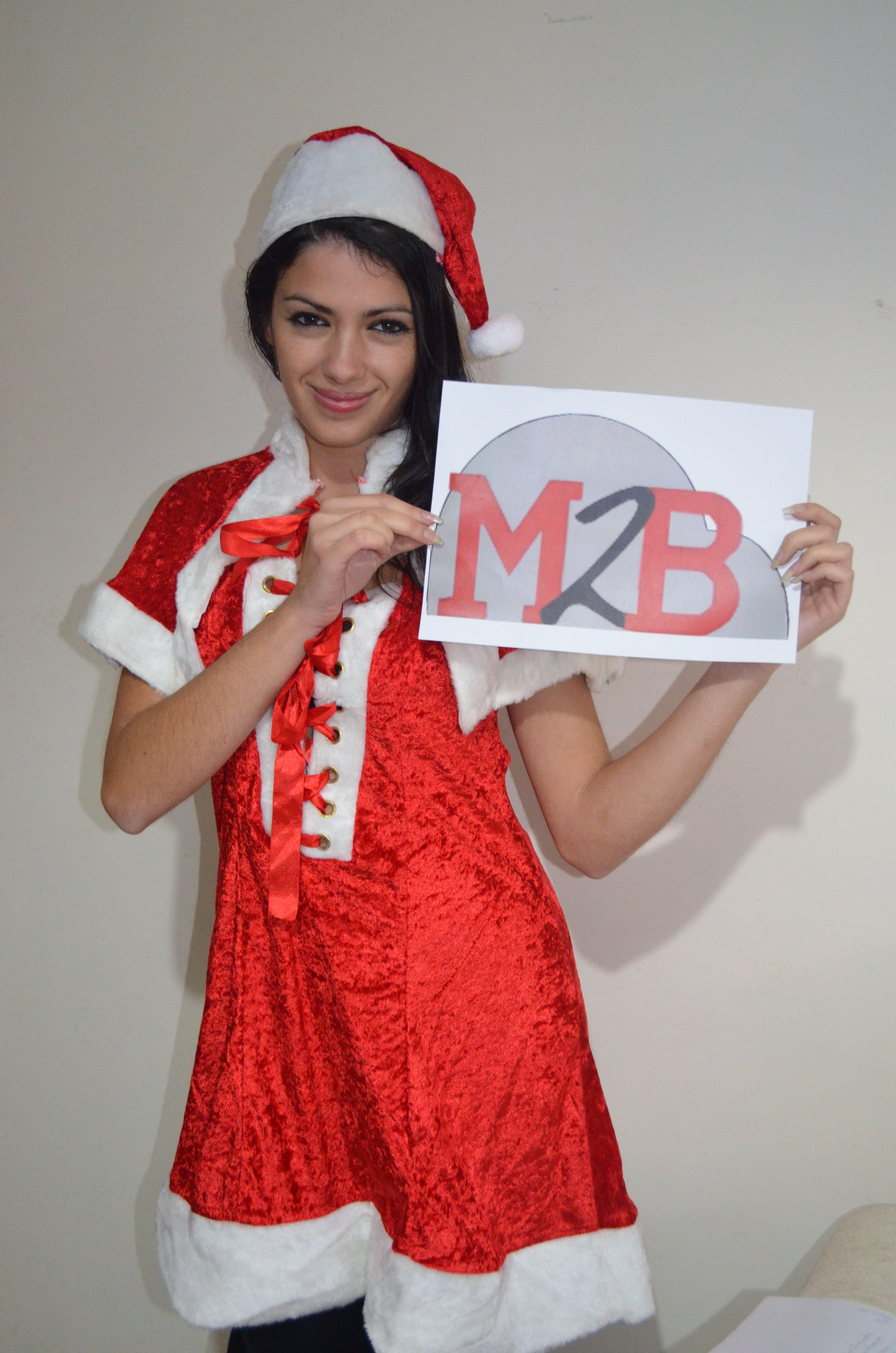 M2B Gonflable vous souhaite de bonnes fêtes http://m2bgonflable.com