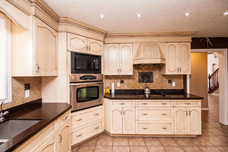 5 Davis St Guelph On N1e 0a2 Canada Home Decor Kitchen