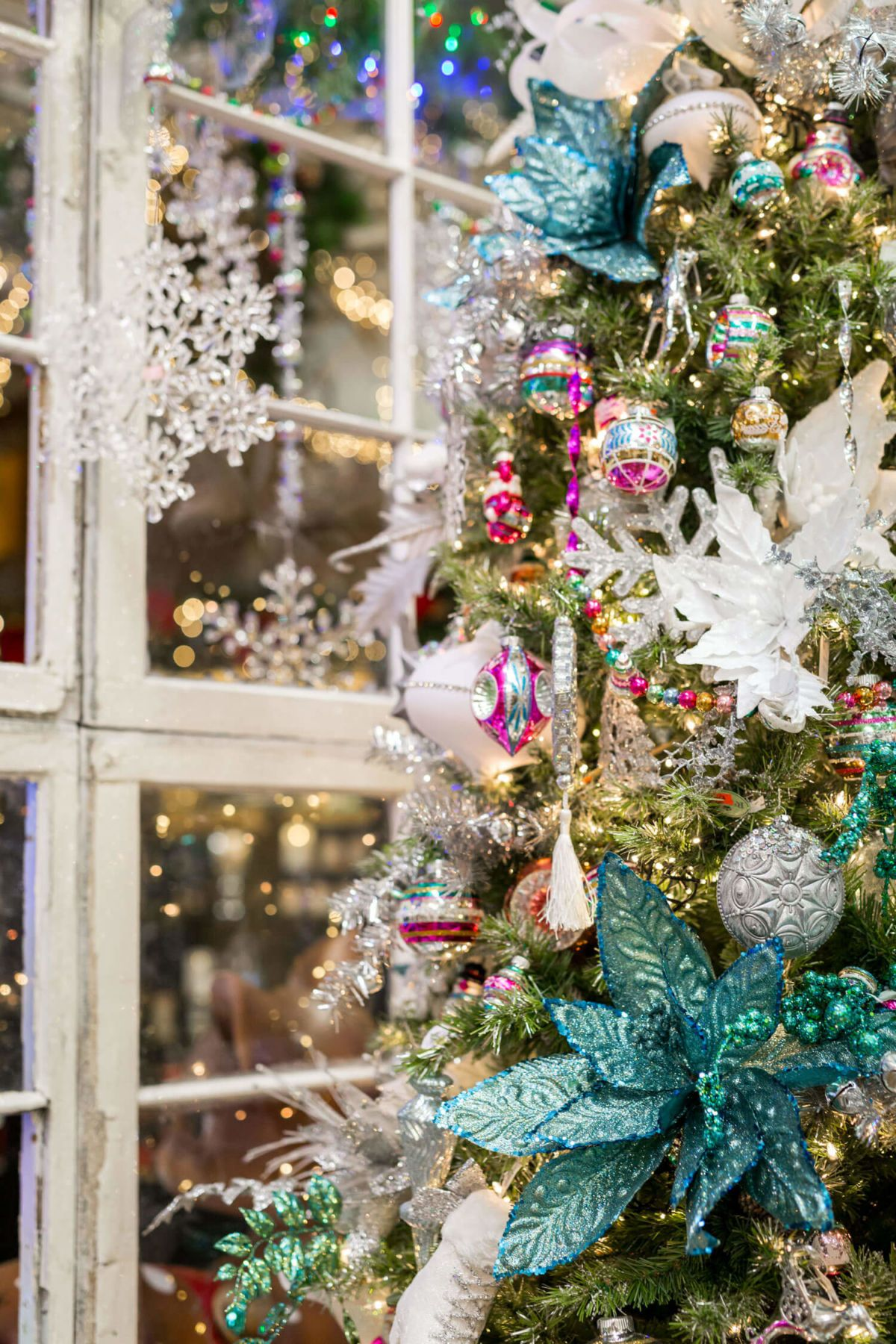 Largest Christmas Superstore In Texas | Decorator's ...