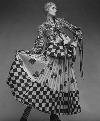 Twiggy in Bill Gibb Dress, photographed by Justin Villeneuve, ca. 1971