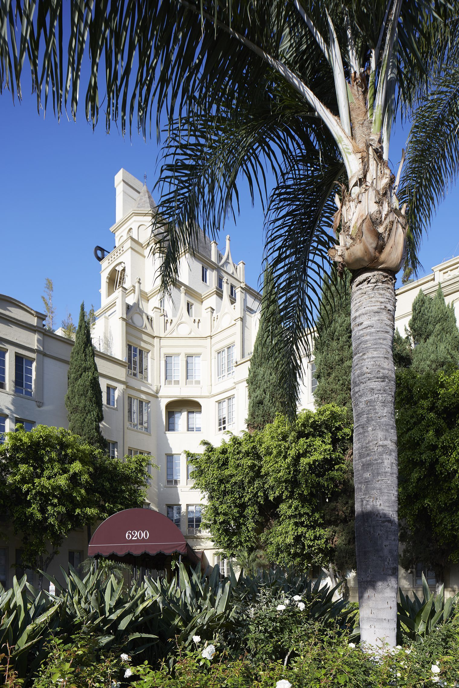 13 glamorous apartments from Hollywood's Golden Age