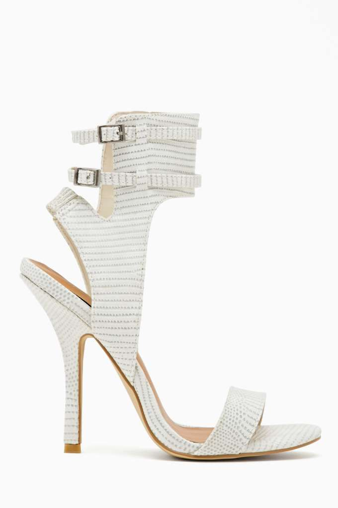 7d180f04c365 Captive Sandal - White - SUPER CUTE and affordable! whats not to love!   sandal  2014  white