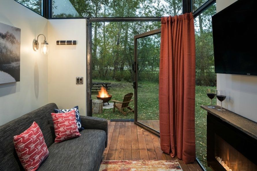 The Gorgeous Roadhaus Rv Soaks Up Sunlight With A Glass Enclosed