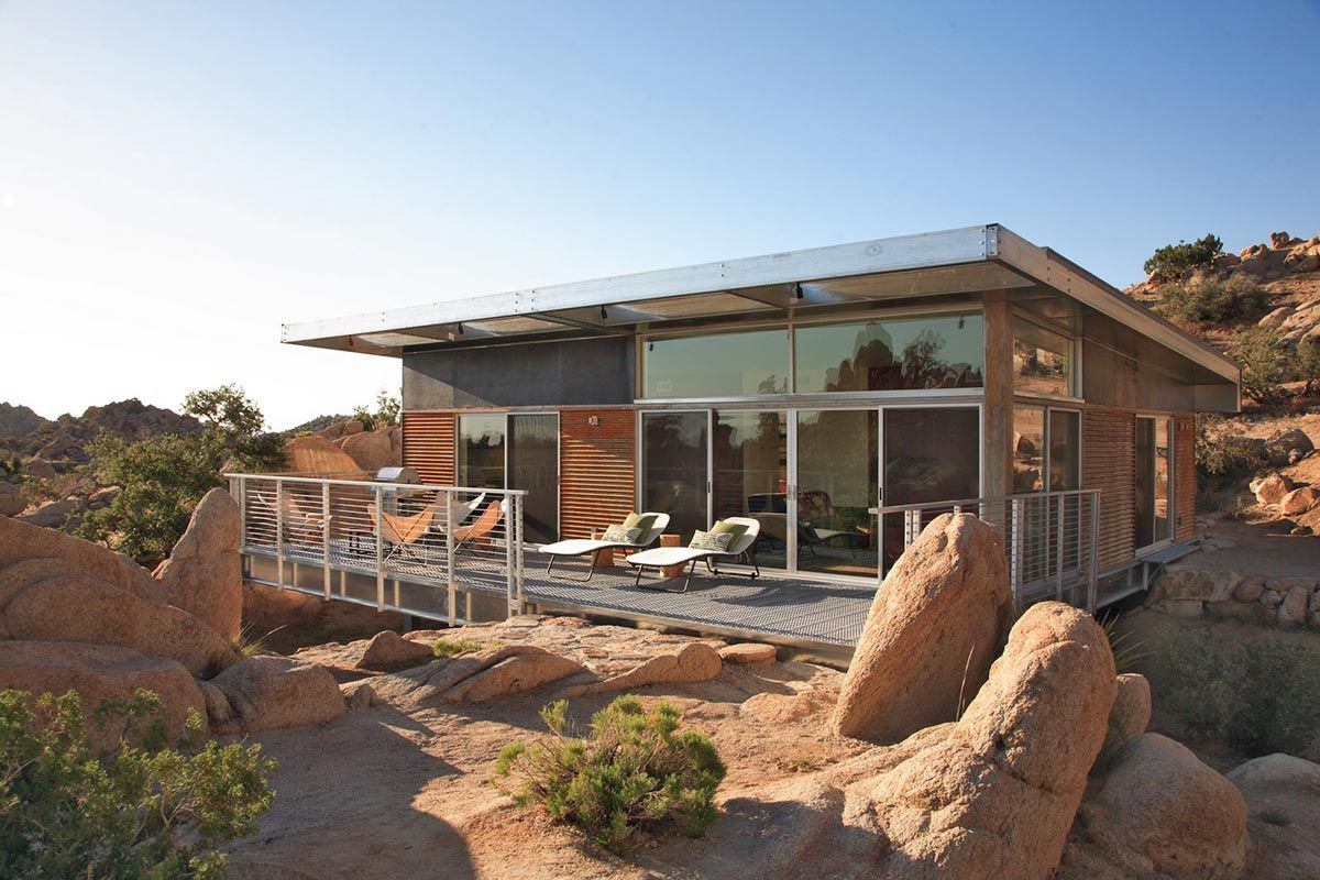 Deck, Rock Reach House, Mojave Desert, California, USA ...
