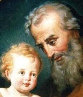 SEGURO JUNTO A PAPÁ, JESÚS SONRÍE AL MUNDO