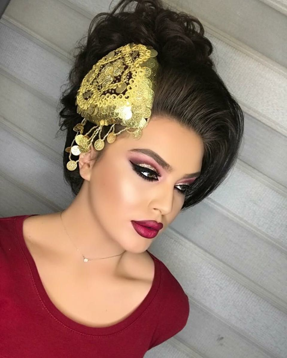 Pin Von Dina Ga Auf Frisur Ideen Frisuren Albanische Hochzeit Frisur Ideen