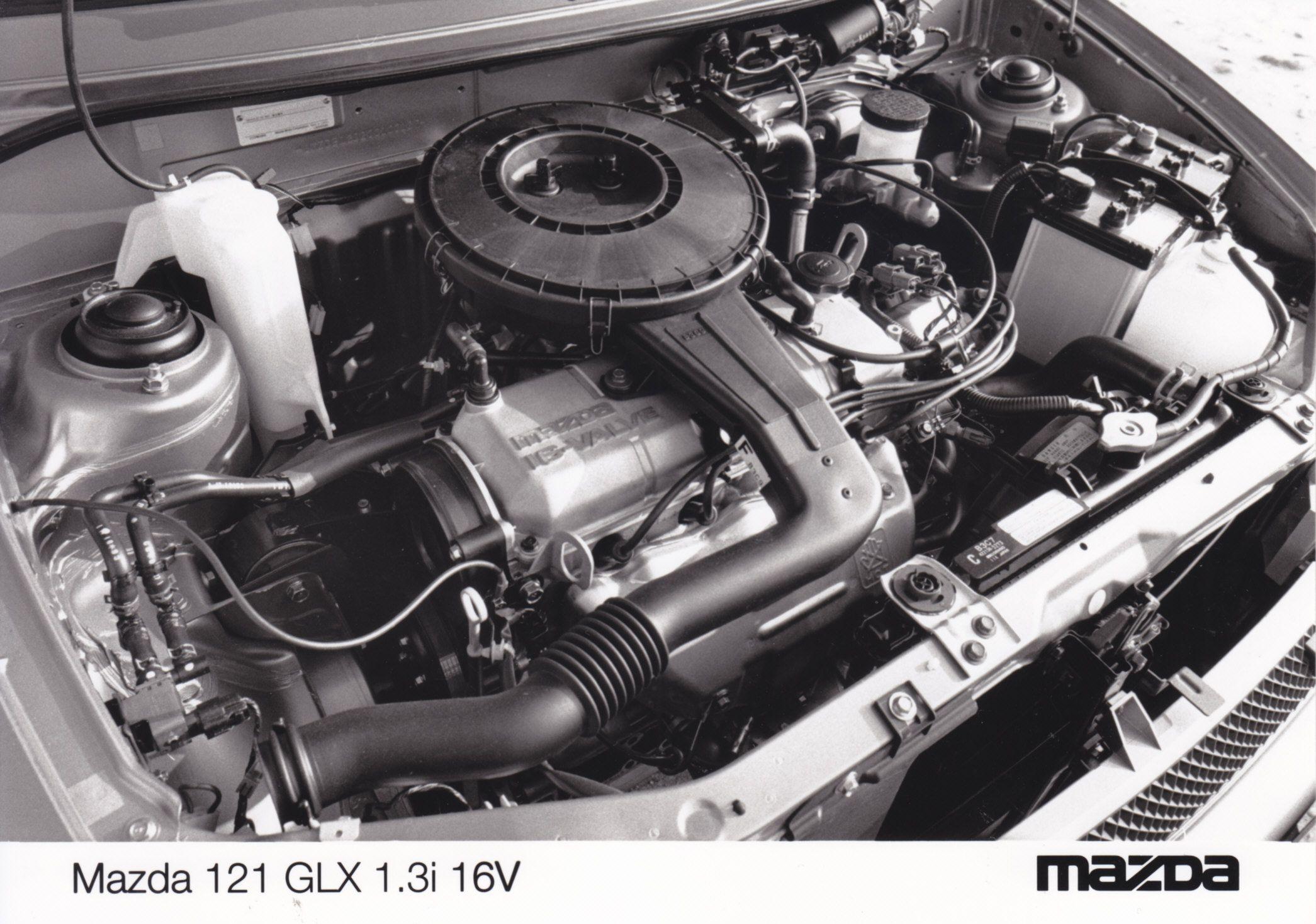 Mazda 121 GLX 1.3i 16V engine (1991)