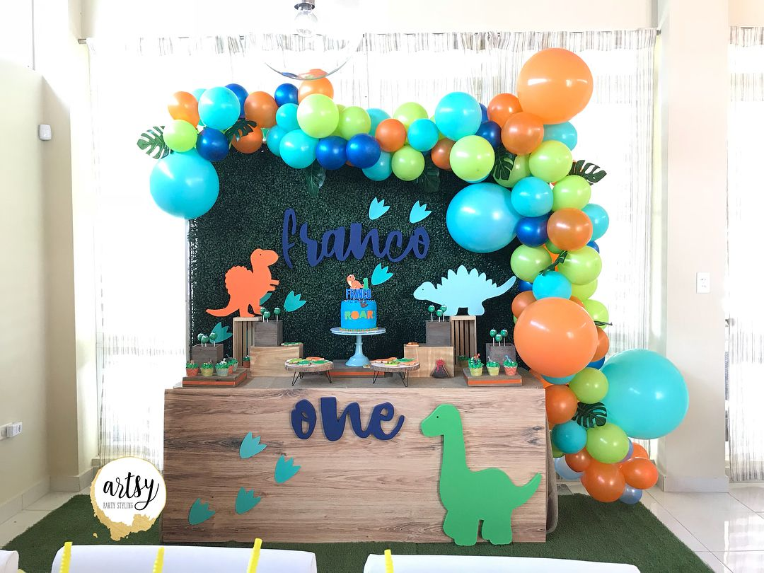 118 Me Gusta 7 Comentarios Artsy Party Styling Artsyparty Dinosaur Themed Birthday Party Dinosaur Birthday Party Decorations Boys 1st Birthday Party Ideas