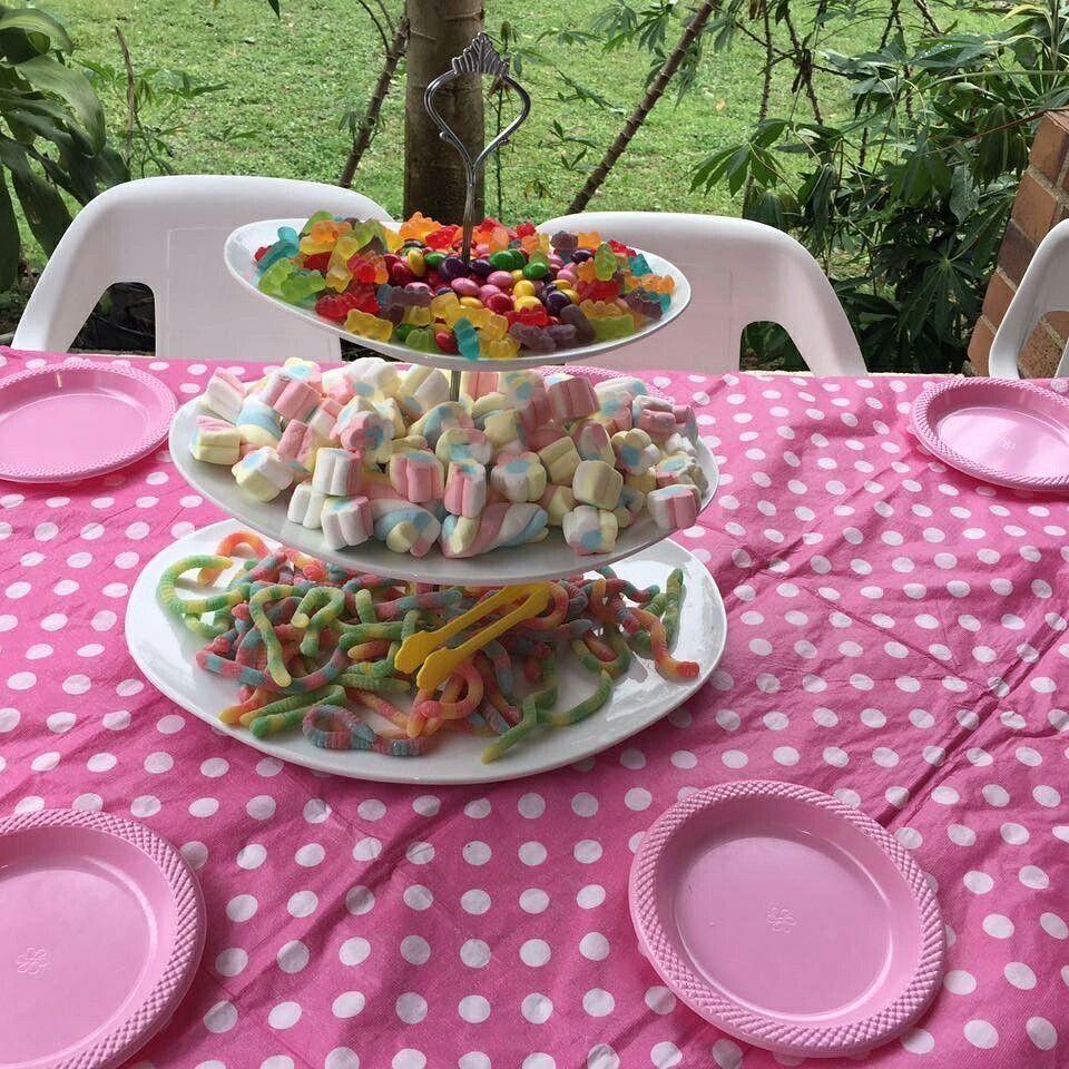 Que tal esta mesa de dulces..