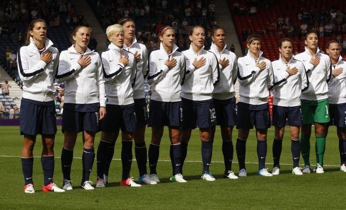Us Women S Olympic Soccer Team 2012 Schedule Win 4 2 Follow All The Matches In London Usa Soccer Women Girls Soccer Team Soccer Girl