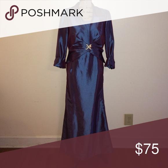 84084bf2c7a I just added this listing on Poshmark  Beautiful Cachet Formal.   shopmycloset  poshmark  fashion  shopping  style  forsale  Cachet  Dresses    Skirts