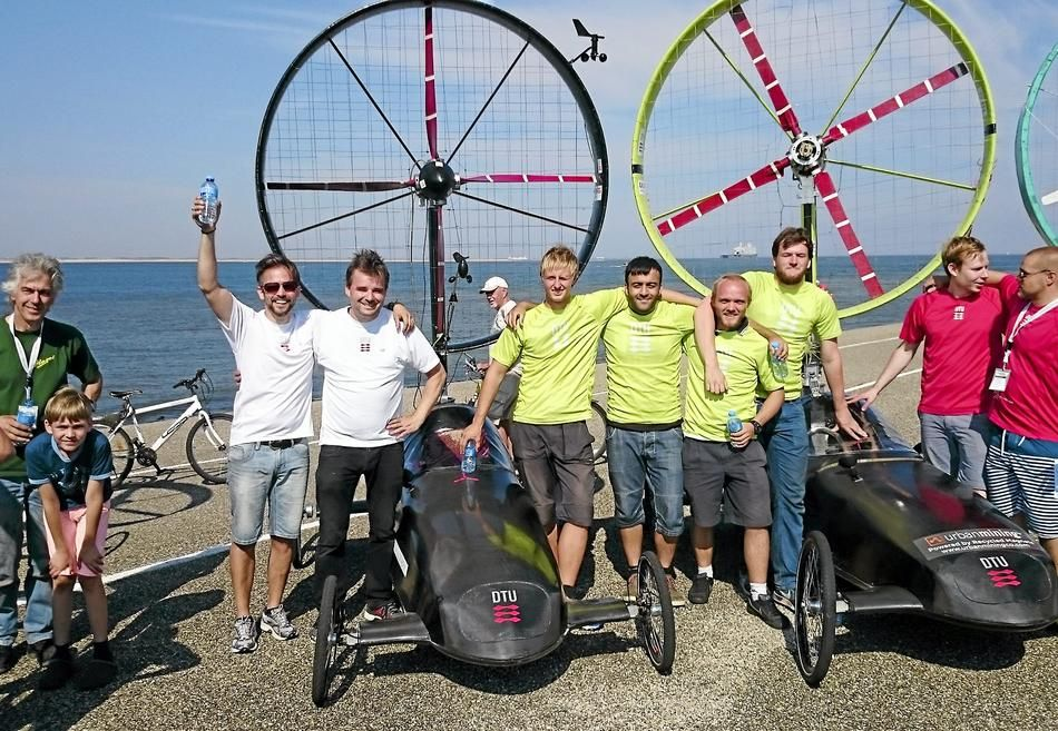 Forskere og studerende ved DTU-Vind kunne juble da sejren ved VM for vindbiler var i hus.
