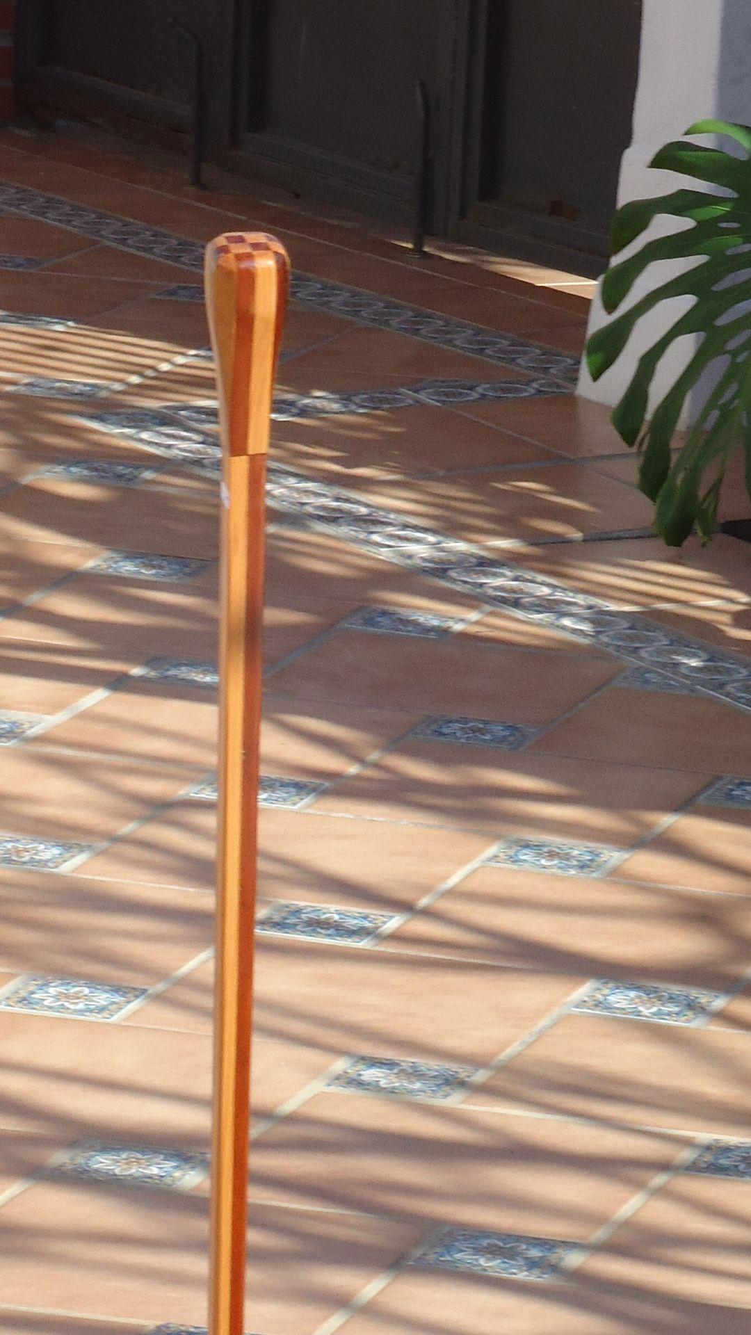 Baston nº 47. Con 8 piezas de madera de pino colorao chileno y 8 de pino de Oregon Coleccion  rcuetosevilla@gmail.com  Málaga