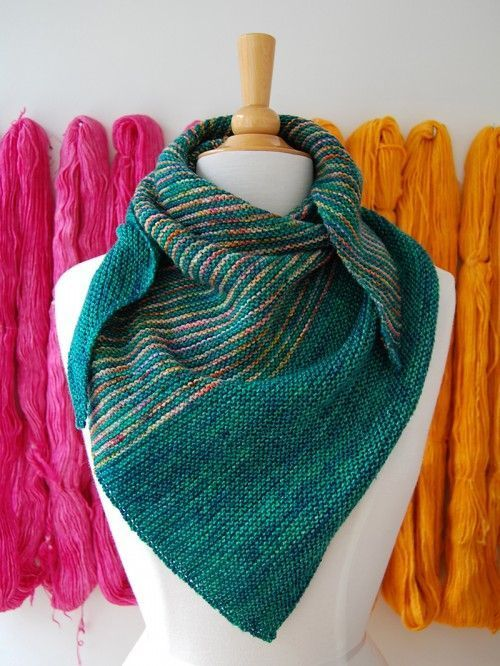 Drea\'s Shawl free (plus more great free patterns on this site ...