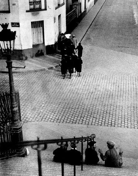 ''Montmartre'' Paris, 1929  -  André Kertész