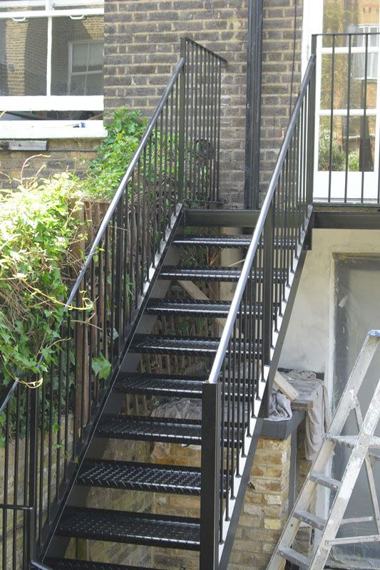 Best Exterior Staircase Fabricators London Staircase Outdoor 640 x 480