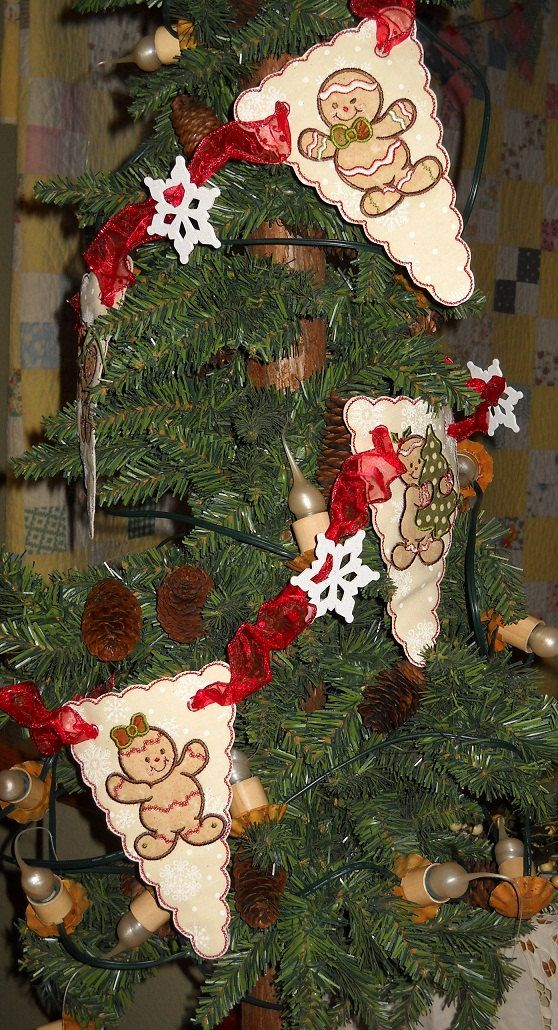 Christmas Decorations Gingerbread Men Garland, great idea for work