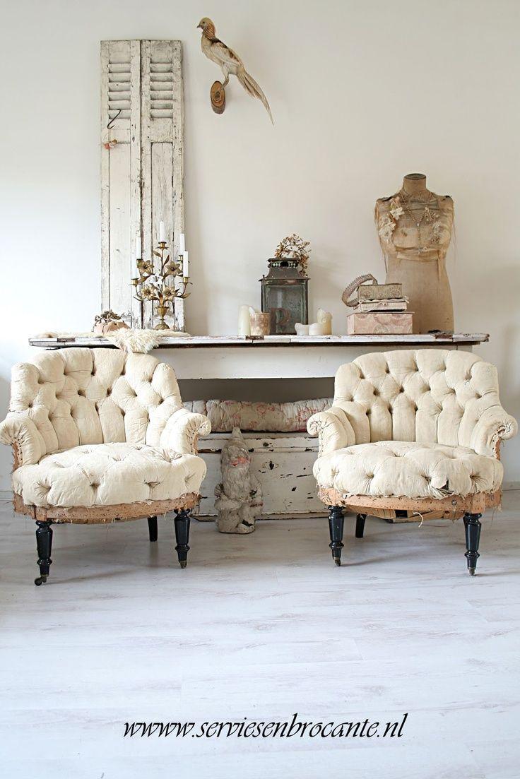Shabby la storia la bellezza shabby style sillas for Casa francese di abiti e profumi