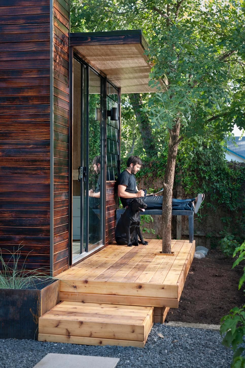 Tiny Backyard Home Office With Deck and Table Home Design