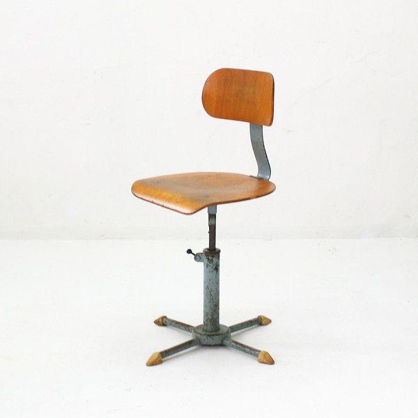 Vintage Stuhle Vintage Industrial Stuhl Hohenverstellbar 50er Ein Designerstuck Von Thehunterselectvintageg Stuhl Hohenverstellbar Vintage Stuhle Stuhle