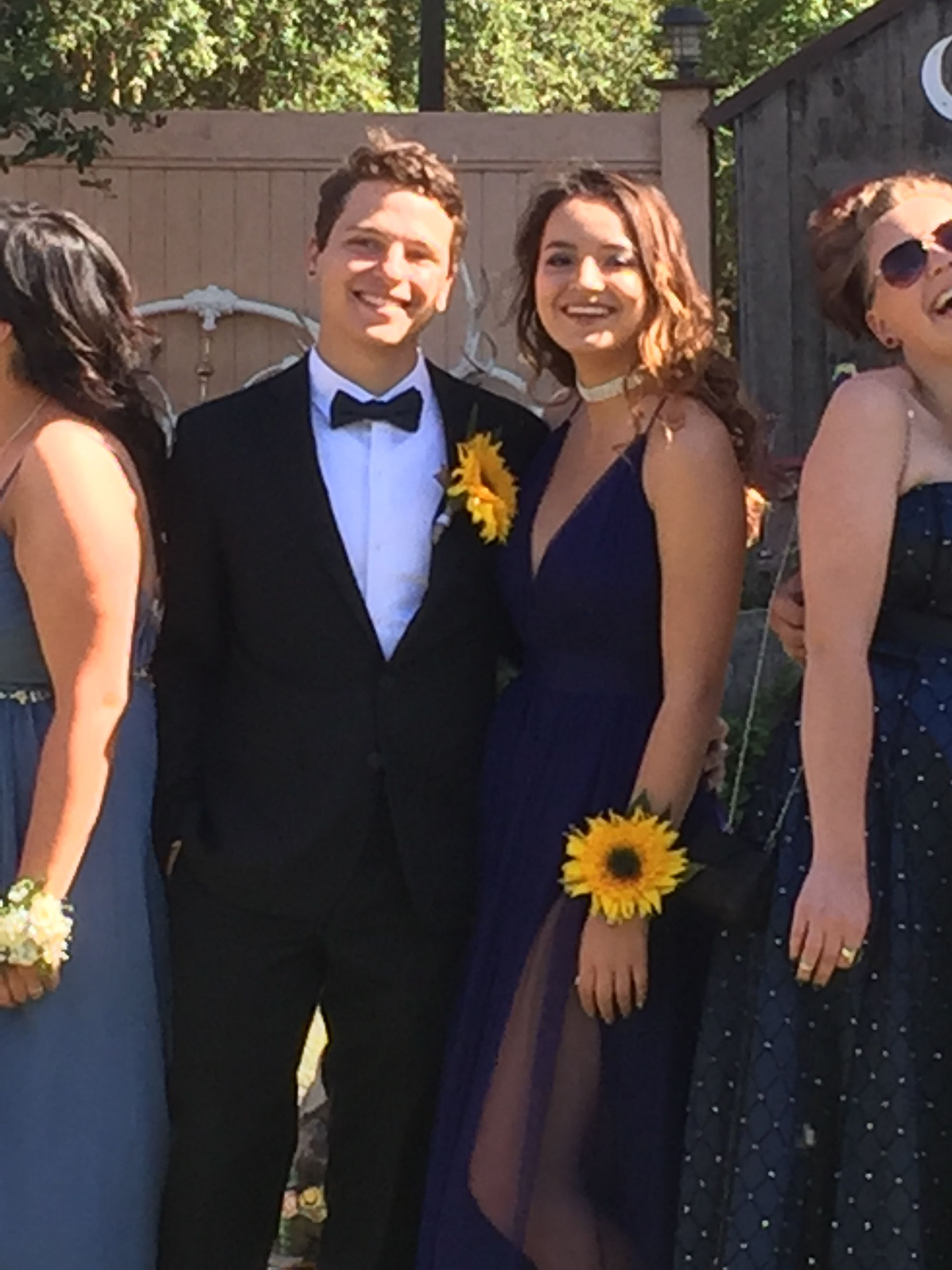 Gorgeous Sunflower Corsage And Boutonniere For Prom Or Any Special Occasion Made By Fresh Aire Flo Corsage Prom Boutonnieres Prom Prom Corsage And Boutonniere [ 3264 x 2448 Pixel ]