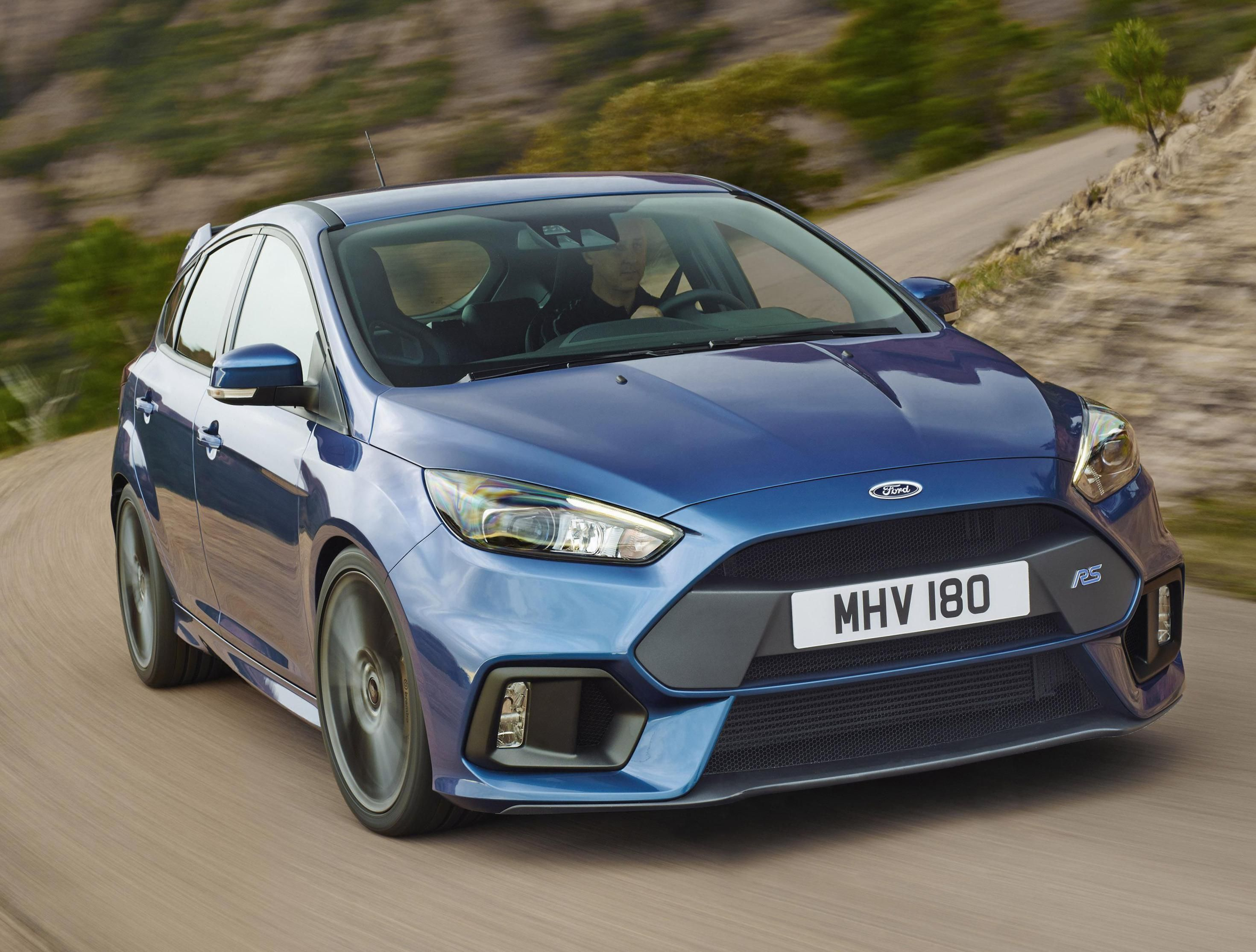 Ford Focus Rs Photos And Specs Photo Focus Rs Ford Reviews And 22 Perfect Photos Of Ford Focus Rs Ford Focus Ford Focus Rs New Ford Focus