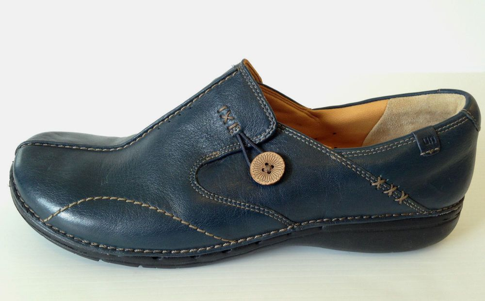ed5482590f2c CLARKS Unstructured Women s Navy Slip On Button Loop Loafer Size 11W USA   Clarks  Loafers  Casual