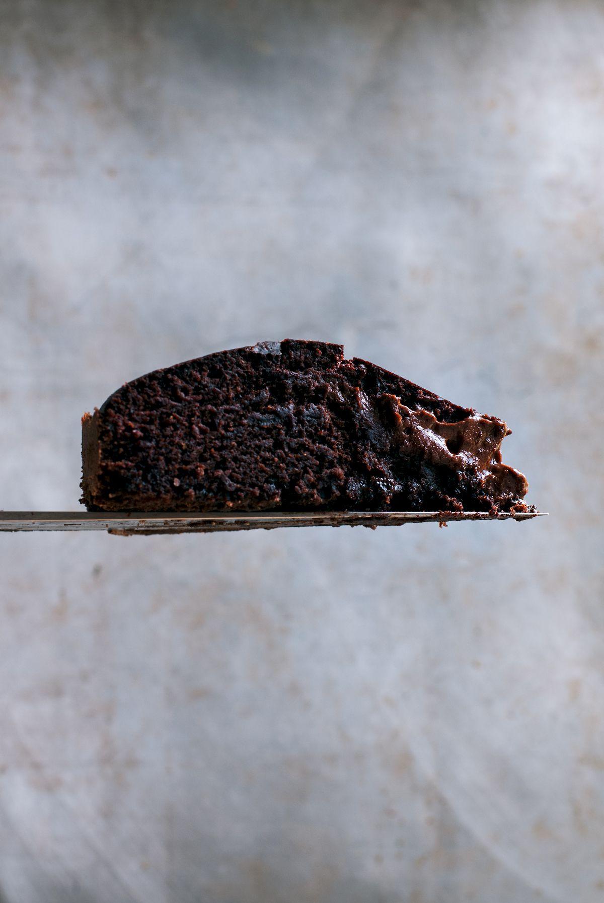 Half baked brownie cake
