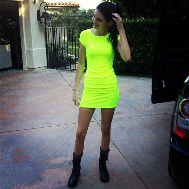 Kendall jenner instagram dress what color