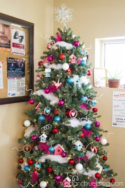 35 Fun And Crafty Unique Christmas Tree Decor For The Coming 25th