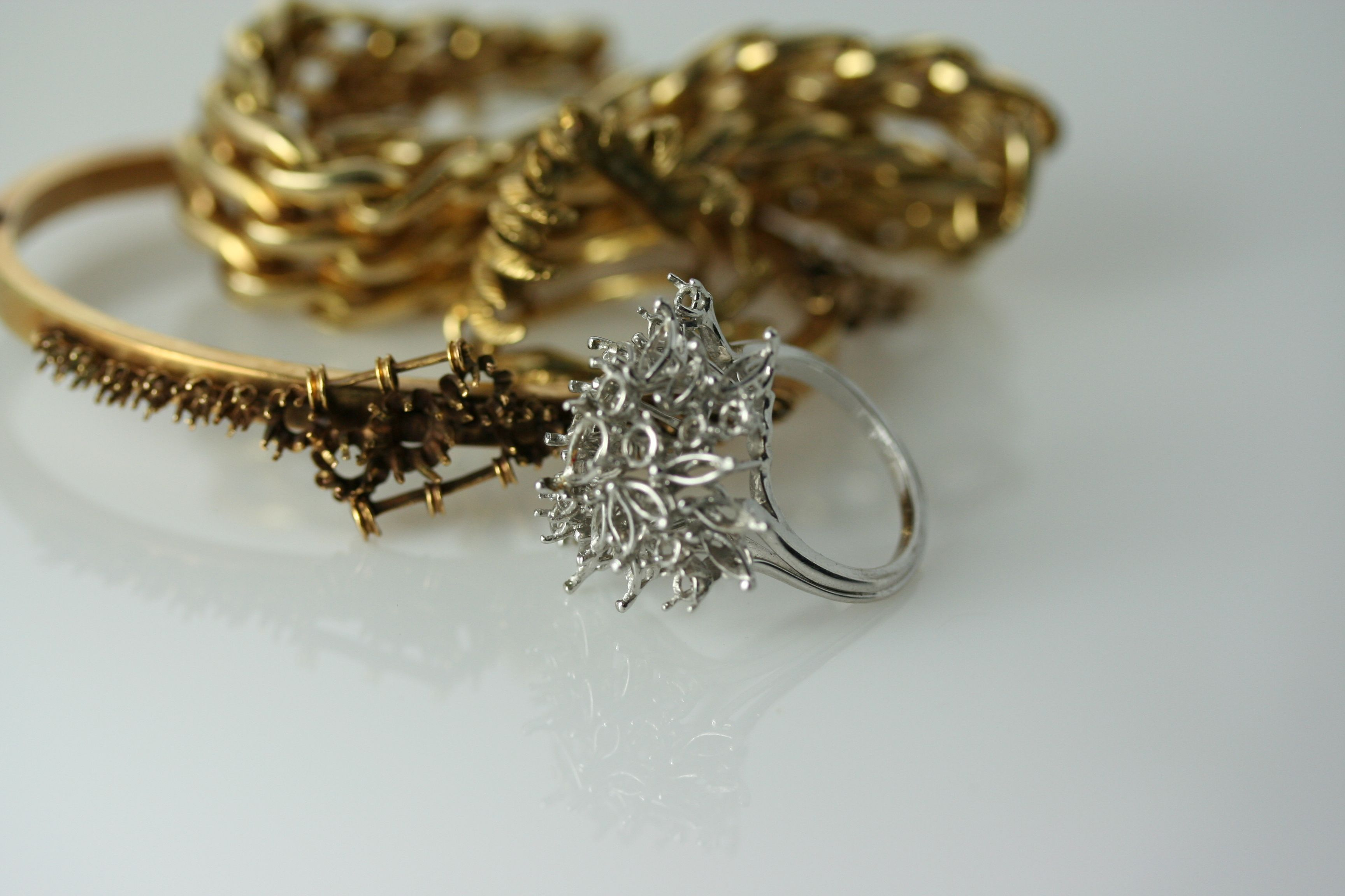 Whats laying around your #jewerly box? if its just sitting there transform it in to something new!
