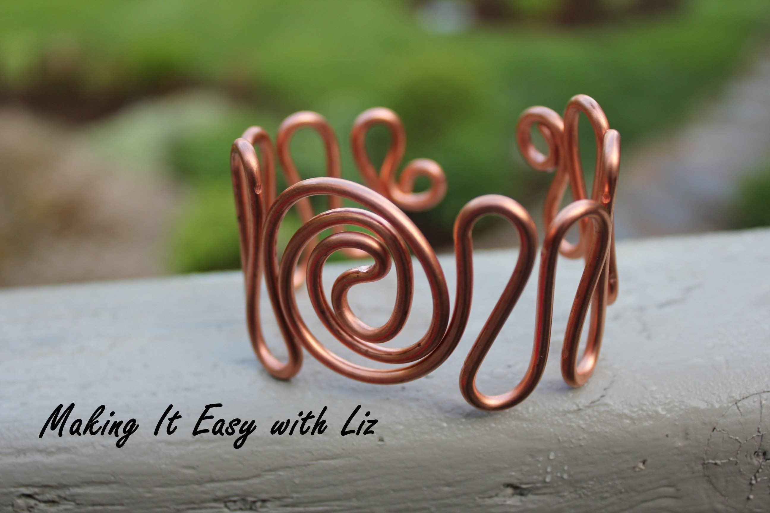 Video easy wire cuff bracelet atlantic waves wire jewelry video easy wire cuff bracelet atlantic waves wire jewelry tutorials solutioingenieria Image collections