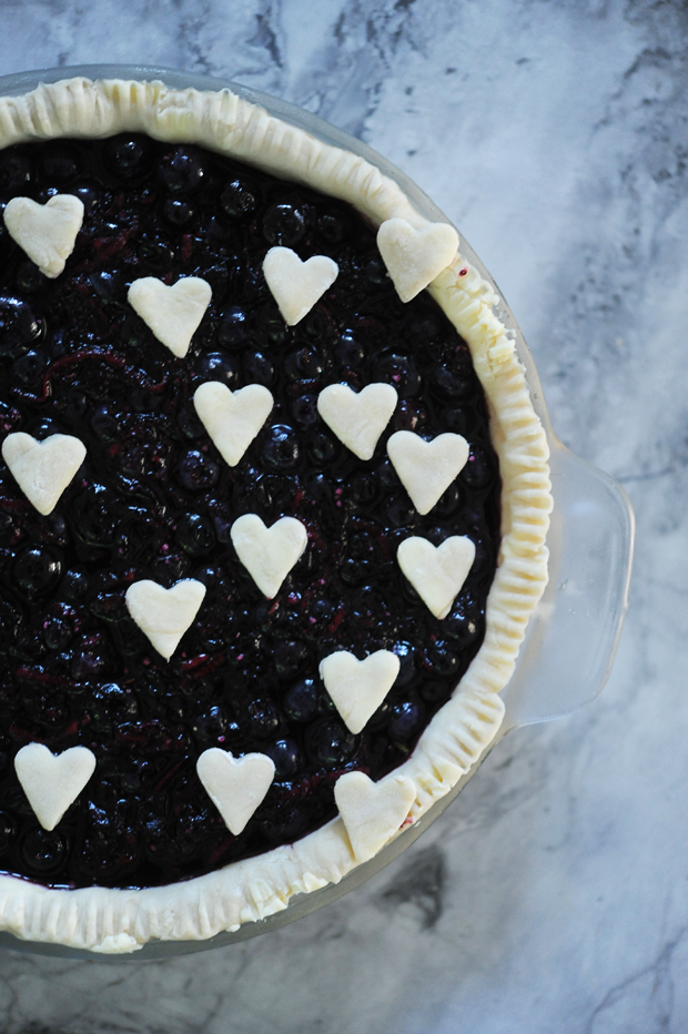 blueberry pie with heart details