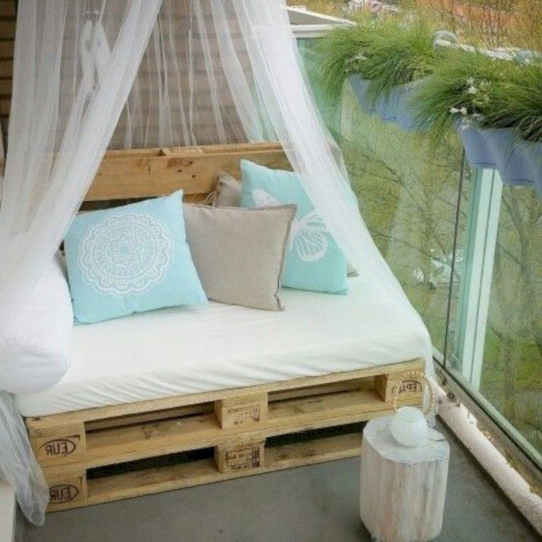 35+ Exciting DIY Outdoor Pallet Furniture Ideas For Your