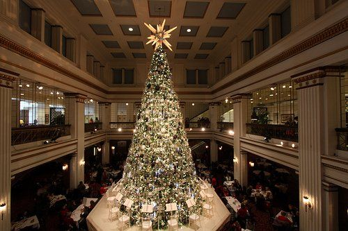 Walnut room christmas tree | The Great Treet at Macy\'s on State ...