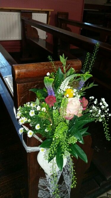 Floral.pew end boho balla florists