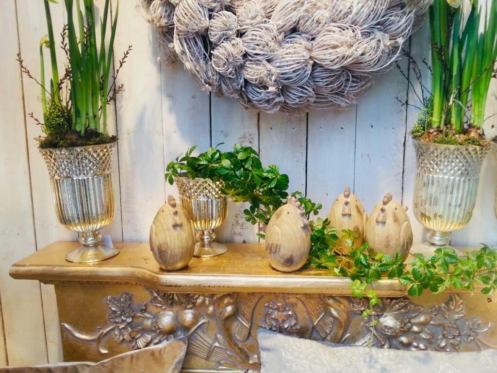 Ein Blick In Unser Rechtes Schaufenster Holz Holzdeko Holzdekoration Holzdekor Wooden Woodendecor Wo Wohnen Und Garten Sommer Dekoration Holzdekoration