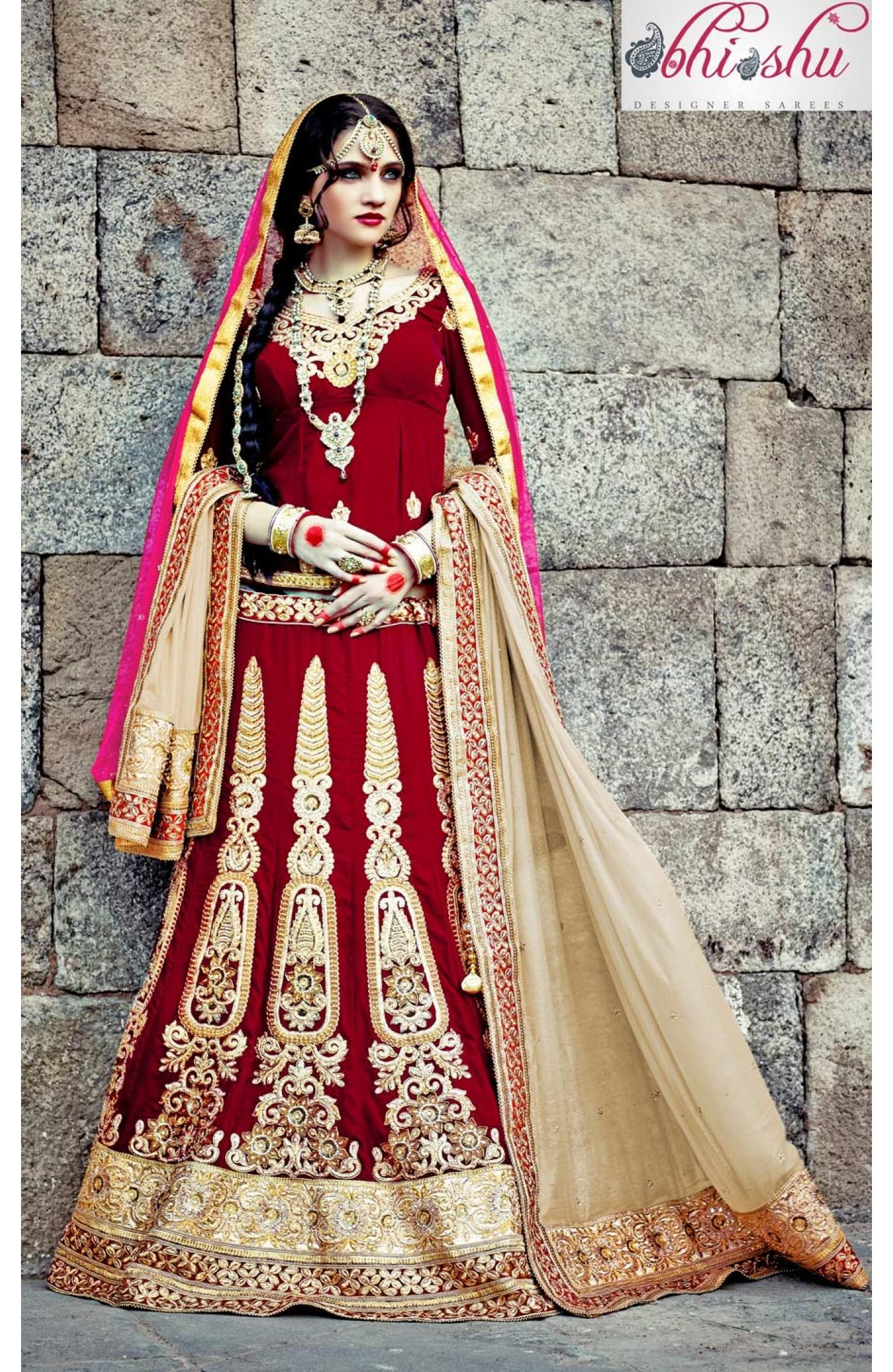 Blend Graceful Style Wearing This Maroon Fullflared