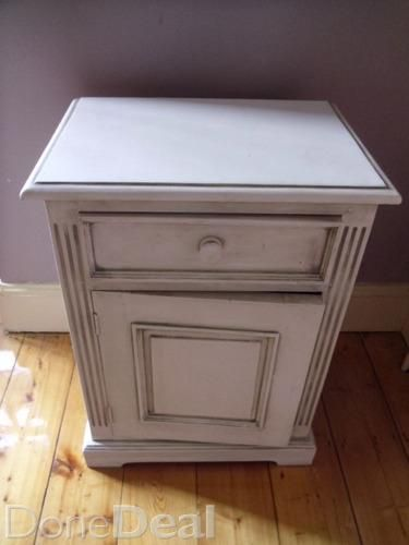 Best Bedside Locker Freshly Painted Pine With Chalk Paint And Given Antique Shabby Chic Effect 400 x 300