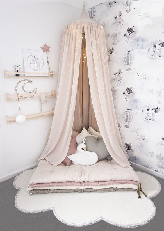 Reading nook We have curated 50+ Teenage girl bedroom ideas and inspirations that will help you. Explore all the great ideas, tips and tricks you need to start decorating the perfect bedroom for your little teenage girl. Teen girl bedroom decor ideas inspirations home decor interior design girl bedroom hacks Pinterest worthy bedrooms urban jungle bohemian kids bedrooms #girlsbedroom