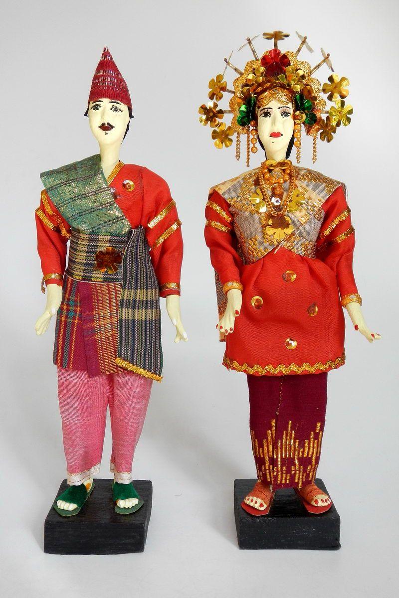 Indonesia sumatra traditional wedding dolls representing the