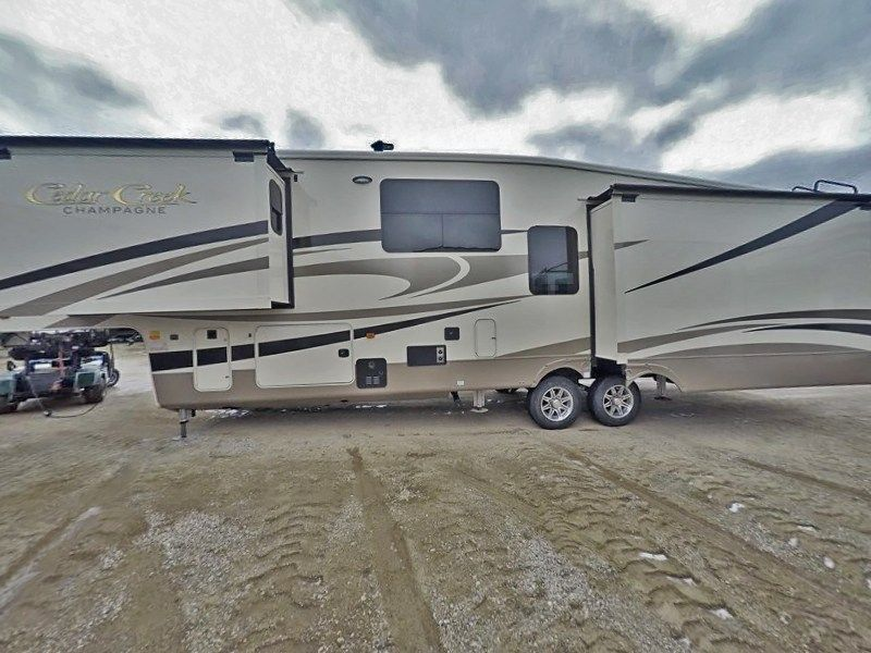 Inventory With Images Forest River Class A Rv Fifth Wheel