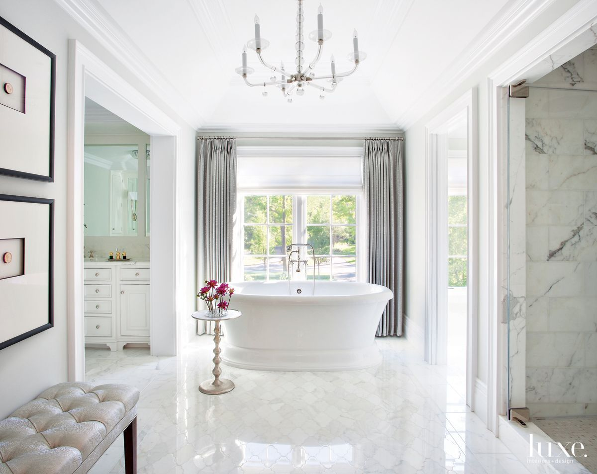 A collection of the 25 most luxurious bathroom designs featuring ...