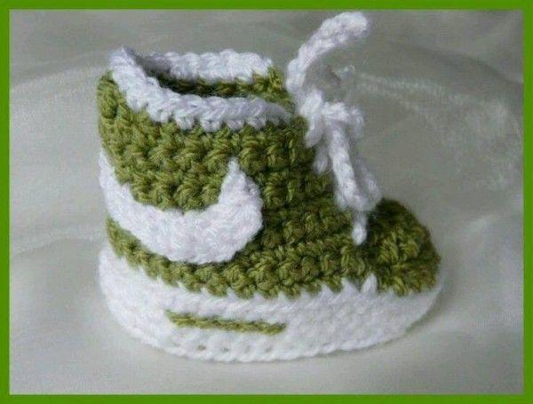 Ganchillo Nike inspiró el modelo libre de los botines del bebé ...