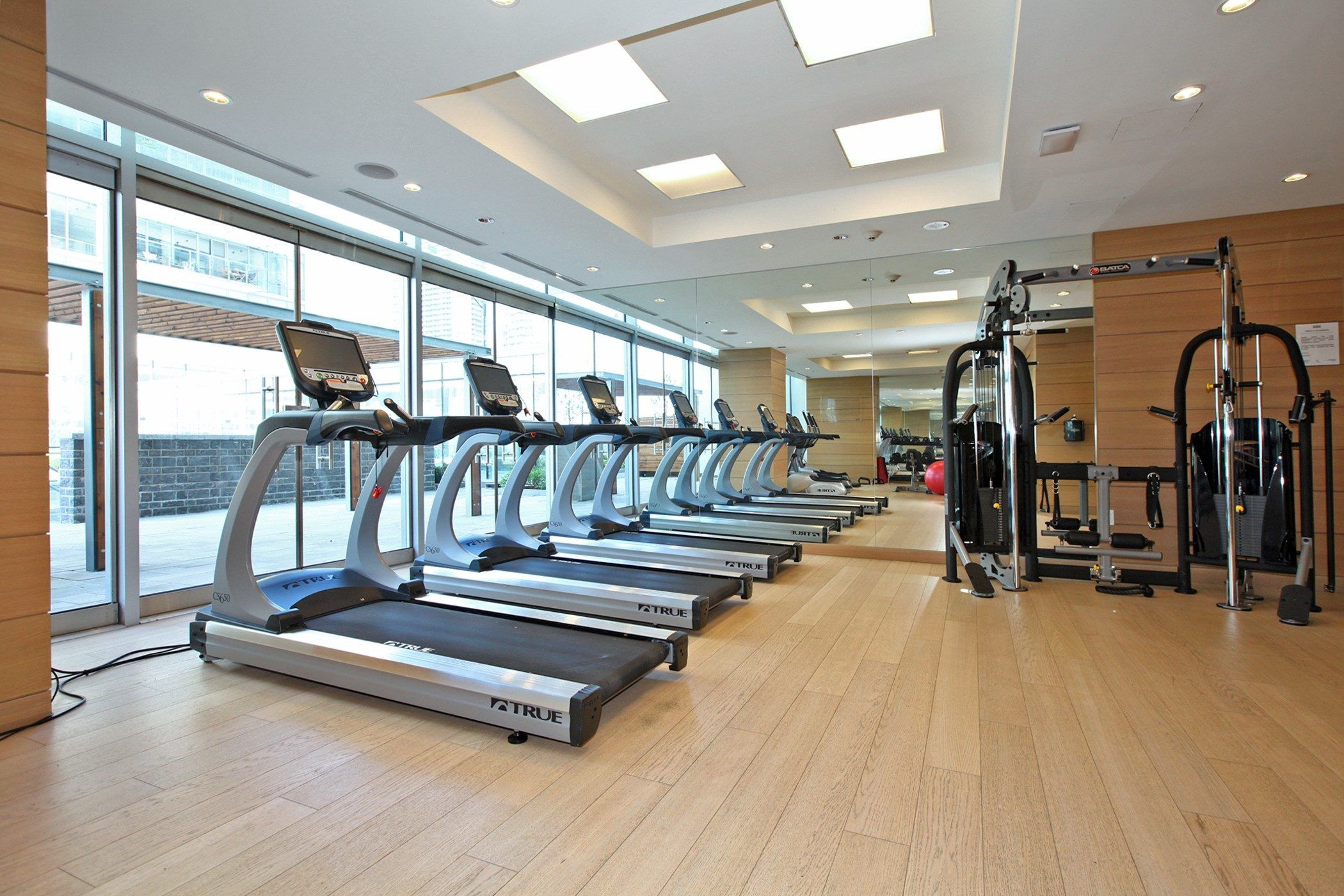 Exercise room workout rooms real estate room