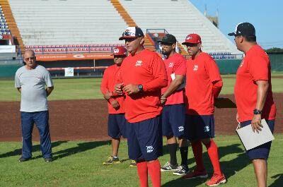 Campeche, Camp. ( www.piratasdecampeche.com/ Carlos Carvajal) 1 octubre.- Se abrió el campamento de los Piratas de Campeche, equipo que se e...
